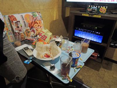 special_karaoke18h_table_400